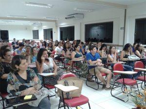 Capacidade para 800 alunos simultâneos